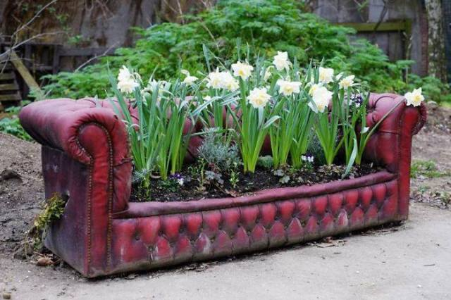 Recycling Furniture Gardening