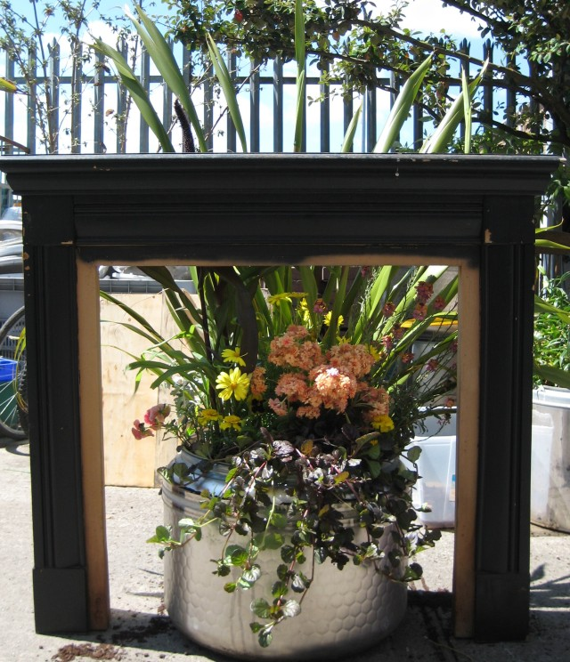 Recycle IT - Fireplace Planter